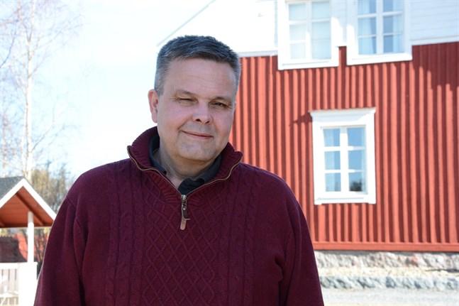 Anders Norrback menar att det nu finns ett akut behov av förtroendeskapande verksamhet mellan myndigheter, politiker och de som drabbas av varg.