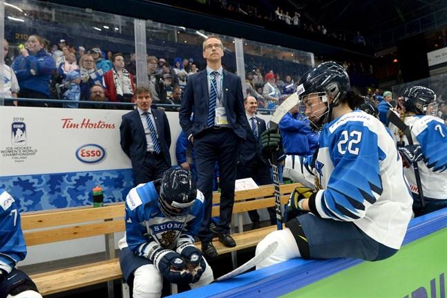 Finlands chefstränare Pasi Mustonen säger att Finland är de moraliska vinnarna av världsmästerskapen, trots att resultatet säger annat.