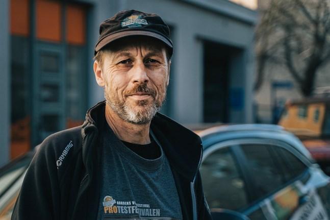 Svein Inge Olsen är en av Protestfestivalens arrangörer. Han framhåller att Protestfestivalen är något unikt i Norden.