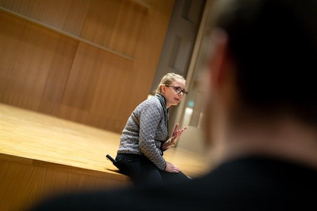 """På väg till den nya urpremiären för """"Tjugo sekunder"""" tappade man en huvudrollsinnehavare, men man lyckades också hitta en ersättare för honom. Det berättar Anna Madsen, som är verksamhetsledare för Jakobstads Sinfonietta."""