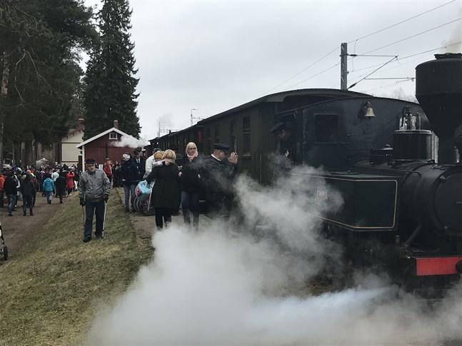 Kovjoki station är ett unikt besöksmål under första maj och sommaren.