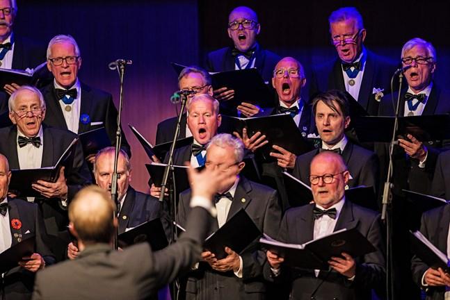 Jakobstads Sångarbröder finns med bland dem som staden stöder.