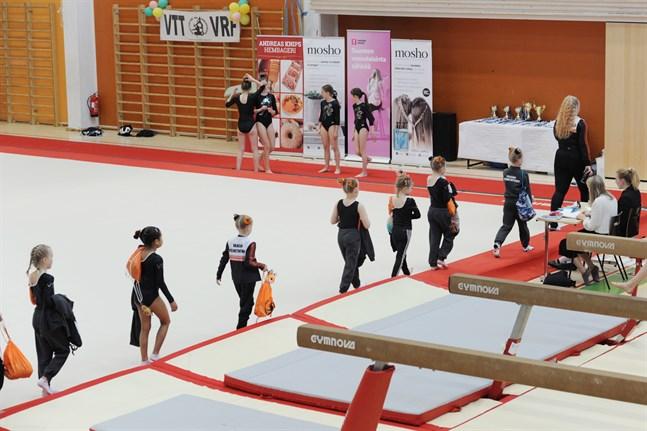 Bilden är från FSGM i artistisk gymnastik (som tidigare kallades redskapsgymnastik) som ordnades i Variska förra året.