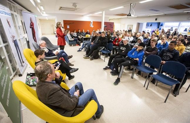 Under EU-valskampanjen hölls debatt också i Korsholms gymnasium.