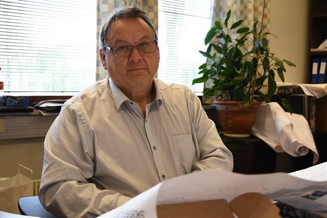 Edd Grahn säger att förfarandet i Närpes på sikt ger ett uppdaterat fastighetsregister.