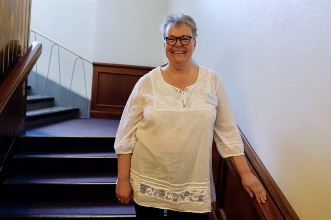 """Siw Östman är evenemangskoordinator vid Svenska hörselförbundet. Hon medverkar på kursen """"Bli vän med din hörapparat""""."""