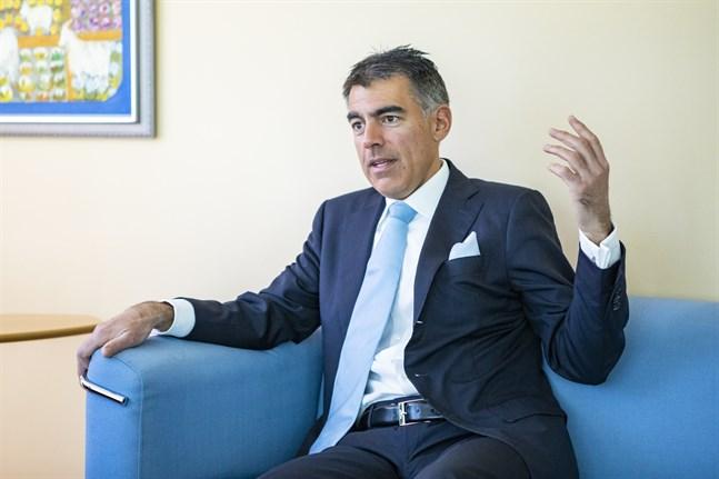 Mikko Ayubs Aktia uppdaterar strategin och inleder samarbetsförhandlingar.