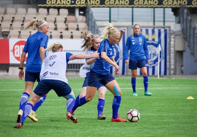 Finlands damlandslag inleder ett nytt kval i september.