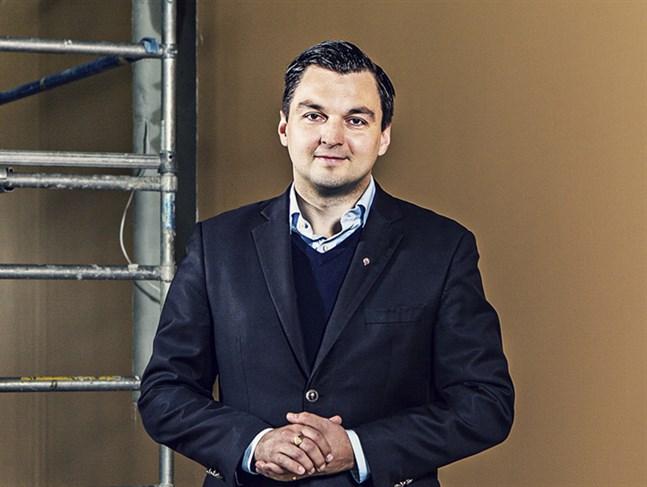 Vasaregionen ska vara en plats där det är rikt att leva och vardagen är meningsfull. Till det hör en teaterscen som vågar och vill framåt, säger riksdagsledamot Jocke Strand.