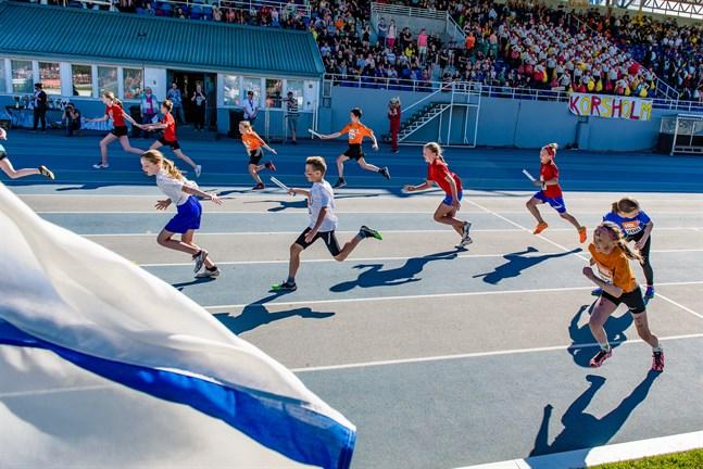 Nästa år är det tänkt att Kouluviestikarnevaali och Stafettkarnevalen ska arrangeras på Olympiastadion samma vecka.