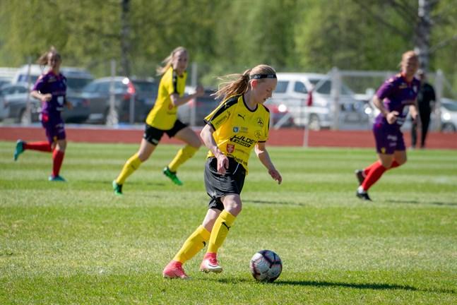 Tilde Hellund i aktion för IK Myran mot Åland United under den gångna säsongen.