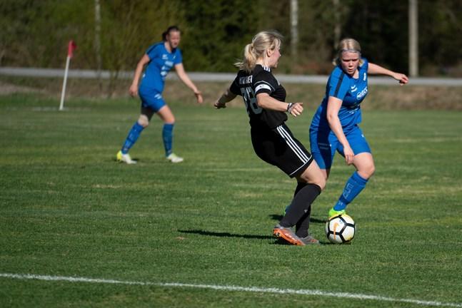 Ida Kuoppala satsar nu på ishockey och spelar inte för Esse IK:s damer längre denna säsong.