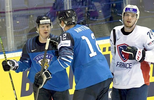 Joel Kiviranta såg till att Finland fick fart på målskyttet i första perioden.