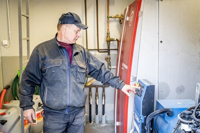 Om strömmen skulle försvinna finns det en generator som producerar ström, säger Henrik Gammelgård.