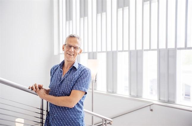 Erik Kiviniemi har fått kulturpris tidigare, men att tilldelas Riddartecknet av Finlands Vita Ros' orden beskriver han som  det mest oväntade.