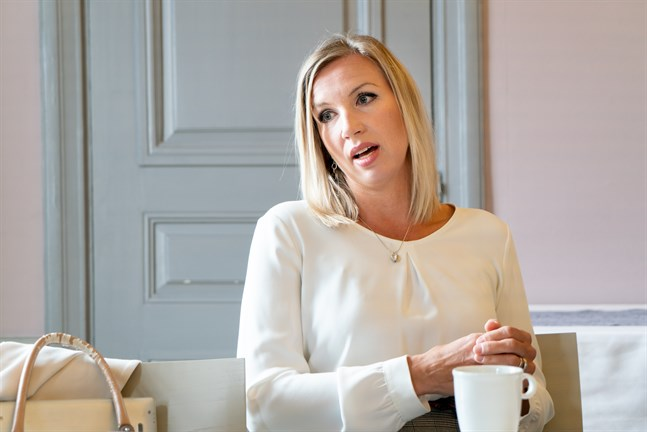 Paula Erkkilä är direktör på Österbottens handelskammare.