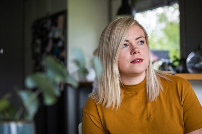 Elin Härmälä berättar att fler ungdomar och unga vuxna än tidigare nu deltar i After Eights ungdomsverksamhet.