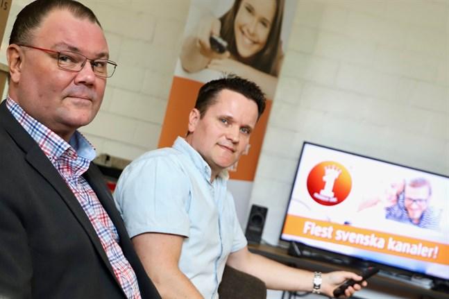 Thomas Guss och Patrik Pada jobbar för Ålcom i Vasa. De har hand om tv-tjänsterna på den finländska marknaden.