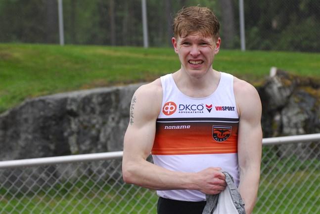 Christoffer Envall sprang fort i Kurikka, men i för stark medvind.