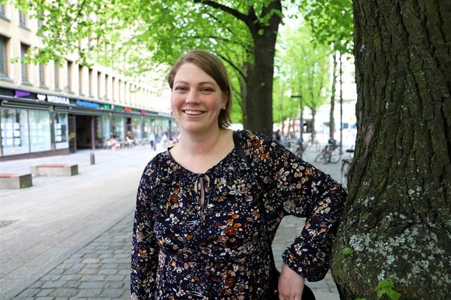 Feminismen och den feministiska analysen är bra verktyg, säger Sandra Holmqvist.
