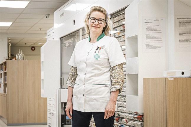 Arja Borgmästars, apotekare på Gamla apoteket i Vasa.