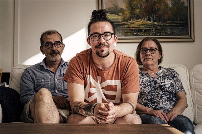 Adam Guarnieri är tacksam för att föräldrarna stödde honom när han gjorde sin könskorrigering.