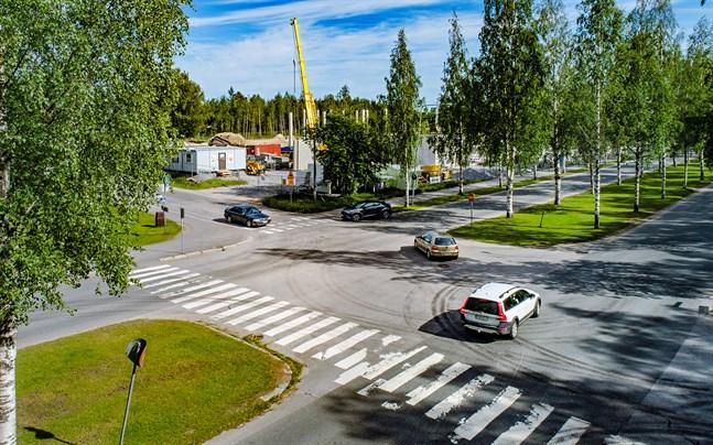 Korsningen Paul Hallvarsgatan och Pedersesplanaden.