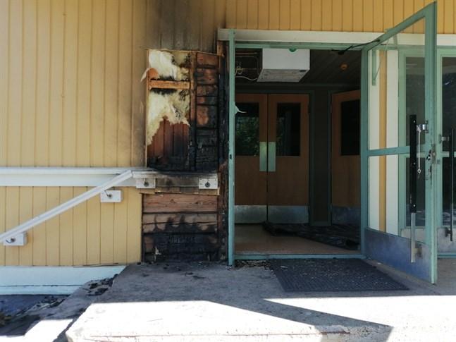 Det var nära att hela Jungsborg fattade eld i Karleby natten till måndagen.