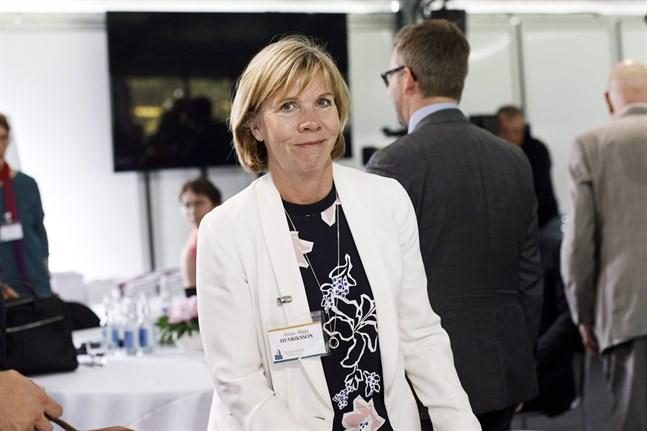 Anna-Maja Henriksson är mycket nöjd med regeringens tilläggsbudget.