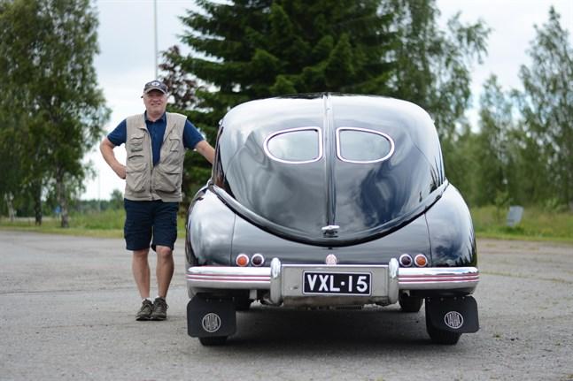 Lappfjärdsbon Stefan Engelholm önskade sig en Tatraplan redan som sjuttonåring. Det skulle dock ta trettio år innan han fick sin drömbil, en vacker bråkstake från 1952.