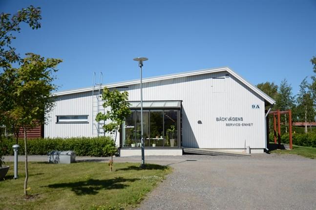 Bäckvägens serviceenhet i Kåtnäs får en ny enhetsledare i höst.
