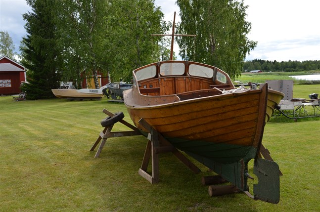 Solbritt är en motorbåt som byggdes 1946 i Sundom.