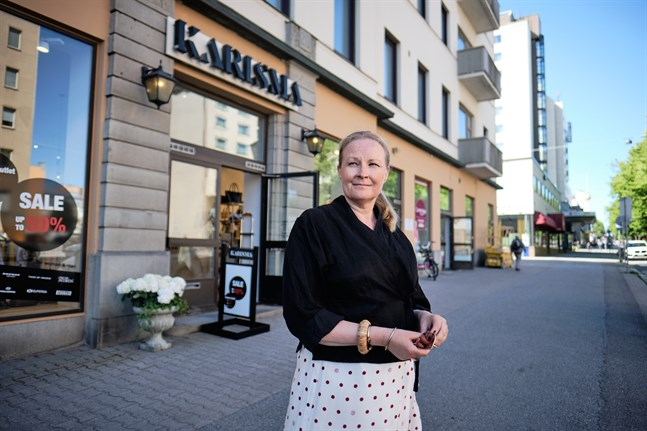 I vinter är det 30 år sedan CarolaSvahn-Salomäki öppnade sin första klädbutik i Vasa. Nu får hon pris för sitt entreprenörskap.
