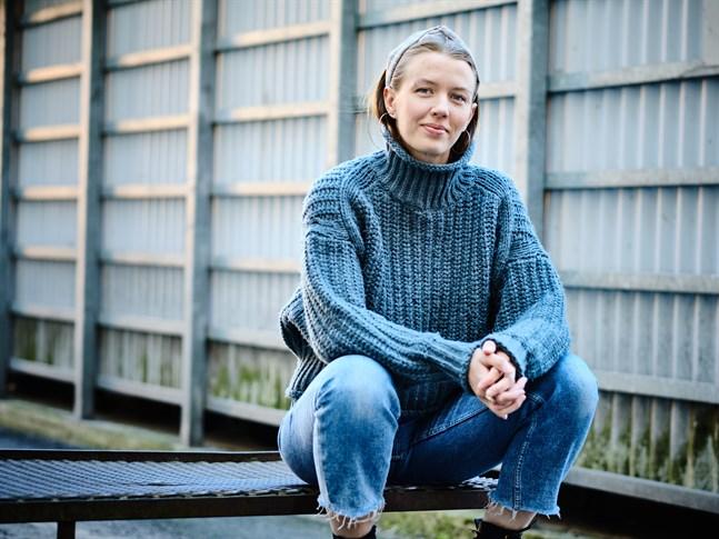 Efter gymnasiet upptäckte Vendela sin dröm om att bli musikalartist, och hon tog sig till Göteborg för att utbilda sig till yrket.