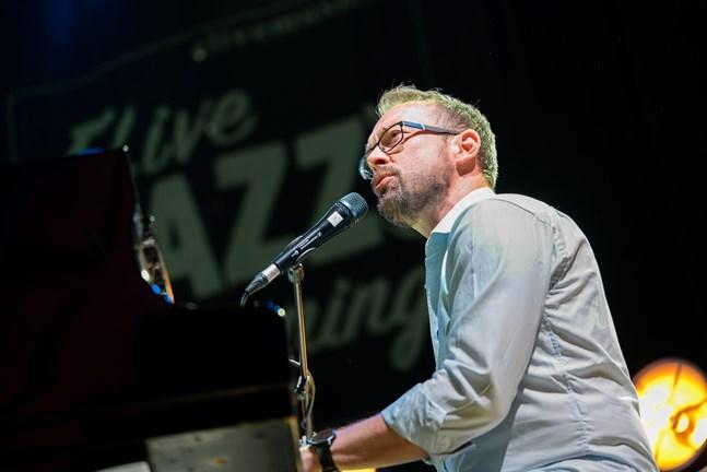 Mikael Svarvar är sångare och musiker. Nu har han valts till delegationsordförande för Svenska kulturfonden.