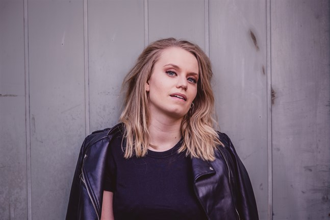 "Antonia Bondén släpper debutsingeln ""Bye""."