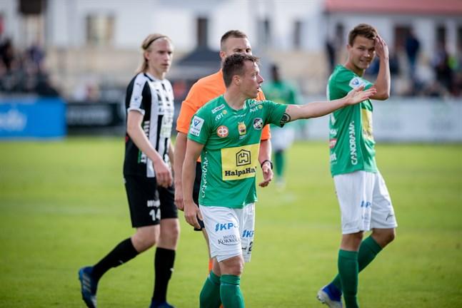 Timo Rauhala (i förgrunden) och Harri Heiermann är tillbaka i KPV:s startelva i dagens derby mot Joonas Häkkinens VPS i Karleby.