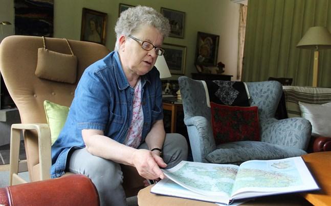 Ulla Holmberg tycker att informationen angående båtroaming är otillräcklig både från telefonoperatörer och rederier.