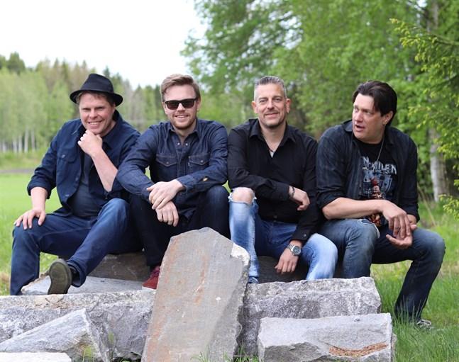 Sam's Garage består av från vänster Samuel Jåfs, John Peltoniemi, Patrik Backman och Jan Holm.