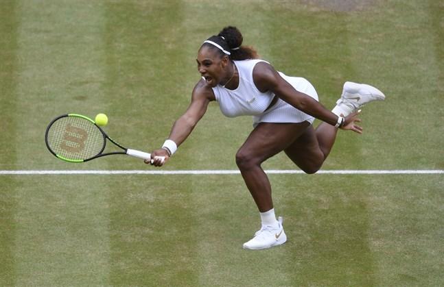 Serena Williams föll i Wimbledon-finalen – men fortsätter att stå upp för orättvisor.