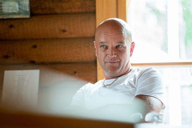 Tom Enlund tog över ordförandeklubban i Jeppis Hockey i mitten av juli i fjol. I onsdags klev han av.