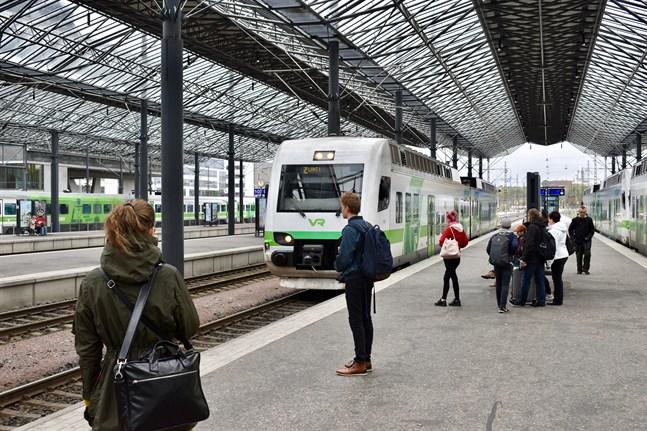 Många har klagat under sommaren på ostädade vagnar i VR:s tåg.