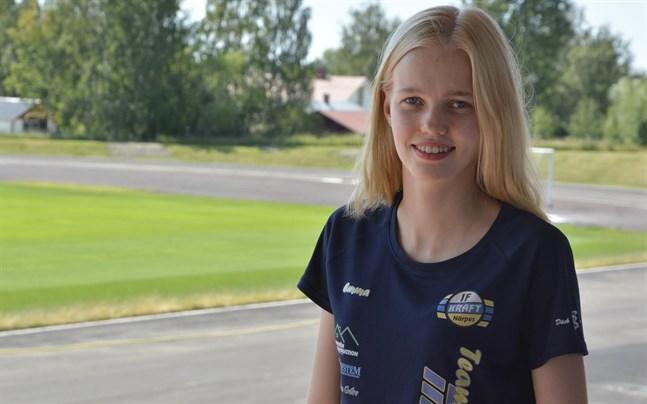 Emma Nyman tog guld i 22-åringarnas FM. Hon studerar i Umeå, men meningen är att tillbringa sommaren i Finland och då även tävla här.