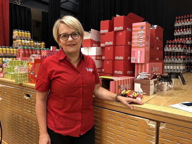 Katja Liimatta-Åström är chef för kioskernas centrallager.