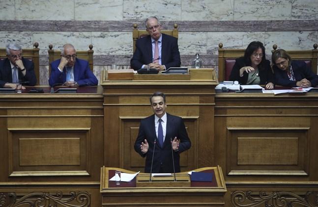 Greklands premiärminister Kyriakos Mitsotakis lovade i parlamentet i Aten att följa överskottsmålen i statsbudgeten.