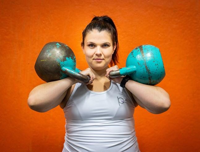 Fanny Indola hoppas kunna inspirera kvinnor till träning med guiden.