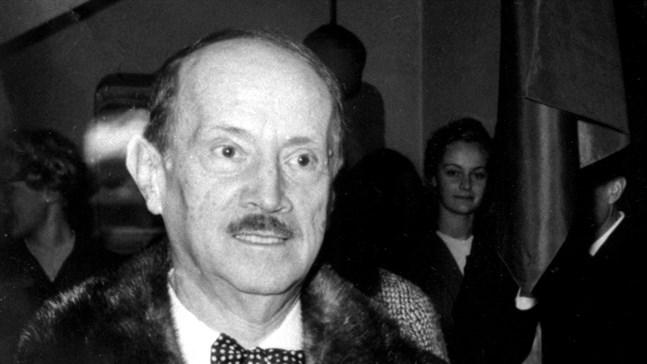 """Saint-John Perse i Stockholm 1960. Svenska Akademien belönade honom med priset för den """"höga flykten och den bildskapande fantasin i hans diktning"""". Arkivbild."""