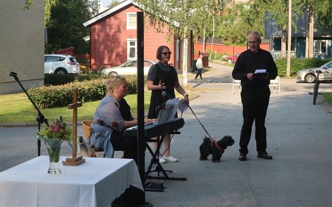 Cecilia Åminne, Catharina Englund och Bo-Göran Åstrand höll i måndagens gudstjänst.