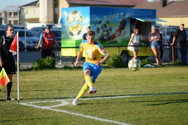 Kim Böling gjorde två mål mot Sundom men Kraft fick nöja sig med oavgjort.