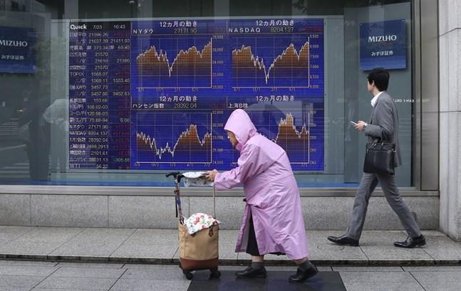 Det är svaga rörelser på börserna i Kina och Japan.